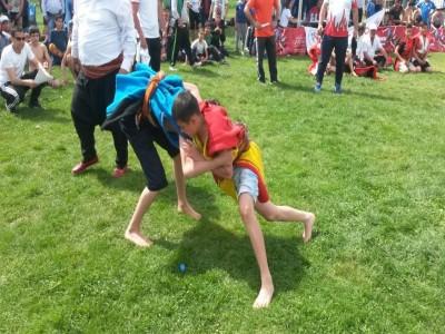 Minikler ve Yıldızlar Aşırtmalı Aba Güreşi Türkiye Şampiyonası Gaziantep'te Gerçekleştirildi