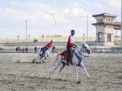 Atlı Cirit Ligi B Grubu müsabakaları hava ve saha koşullarının muhalefeti nedeniyle ertelenmiştir.