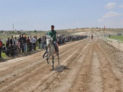 Rahvan At Yarışları Gaziantep'te Gerçekleştirildi