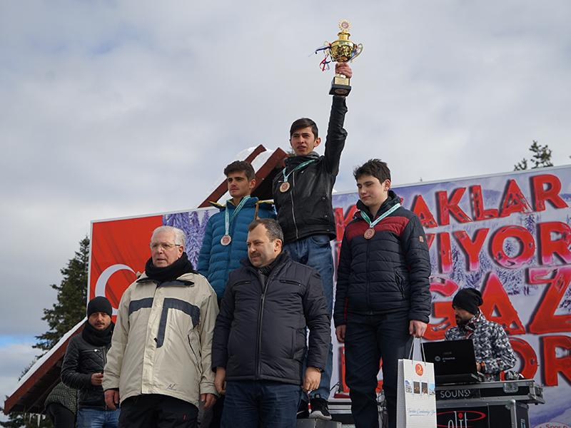 kizak-yaris-251_big_r