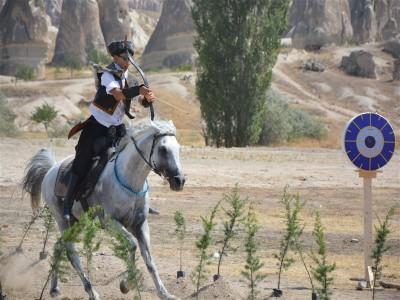 Atlı Okçuluk Türkiye Şampiyonası'nın Yarı Final B Grubu müsabakaları Göreme'de yapıldı.