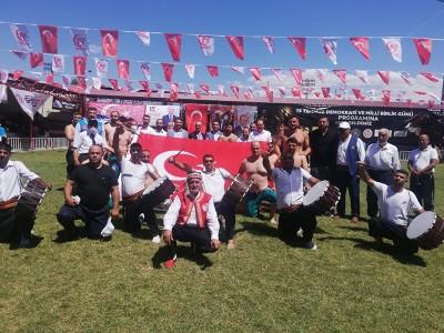 Demokrasi ve Milli Birlik  Günü  Şalvar Güreşleri 439 sporcunun katılımıyla gerçekleştirilmiştir